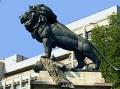 """Cum se numeşte şi în memoria cui a fost ridicat monumental """"LEUL"""" de la Cotroceni?"""