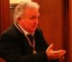 Un australian din Huedin îsi  lansează volumul de poezii la Biblioteca Sadoveanu din Bucuresti