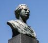 """OCTAVIAN GOGA LA DEZVELIREA PRIMULUI BUST EMINESCU ÎN TRANSILVANIA ROMÂNĂ: """"O granită se apără cu un corp de armată sau cu statuia unui poet"""""""